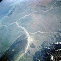 De Ganges en de Brahmaputra vinden hun weg naar de golf van Bengalen